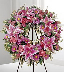 FTD We Fondly Remember Wreath (dobdeals.com) Tags: flowers wreaths eventsupplies