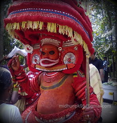 Vayanattu Kulavan Theyyam (Midhun.P.K) Tags: beautiful amazing nice god kerala thira chamundi pothi theyyam thottam kannur muthappan kolari bhagavathi mattanur vishnumoorthi thamburatti thondachan vayanattu kulavan manathana midhunpk athyam vayanat porkali vembadi paradhevatha dhaivathar poothadi