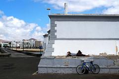 Siesta (claudio.ghizzoni) Tags: panorama canon walking landscape ngc bodylanguage lanzarote siesta piazza claudio spagna espania isola g10 ghizzoni ghizzoniclaudio claudioghizzoni