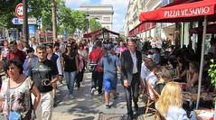 Paris, Champs-Élysées (Valerio_D) Tags: paris france îledefrance 1001nights francia parigi vividstriking 1001nightsmagiccity 2013estate