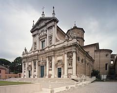 Basilica di Santa Maria in Porto, Ravenna (miloniro) Tags: italy film church analog italia kodak basilica 4x5 largeformat ravenna kodakportra400 basilicadisantamariainporto chamonix045n2 fujinonswd75mmf56