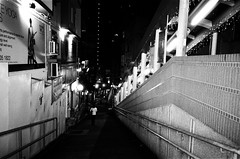 (Yuwei*) Tags: hongkong ricohgr1s streetsnap fujifilmneopan400