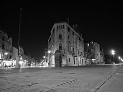 _3081243-Modifica-1 (FloBue) Tags: venice blackandwhite night nacht schwarzweiss venezia venedig biancoenero notturno 2014 viagaribaldi
