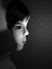 Look right (Tom Harper) Tags: portrait illusion