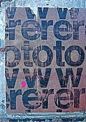 Buchstabenspeicher (web.werkraum) Tags: street red urban streetart berlin rot tower art collage germany deutschland typography europa artist head eingang tag ks urbanart international ornament lettering bild typo schrift tr nahaufnahme association aufkleber zeichen kopf buchstaben typographie wegzeichen streetartberlin streetheads vertrautheit bildfindung kopfmuster berlinerknstlerin tagesnotiz verortung bildformen strassenkpfe webwerkraum karinsakrowski findung urbanetypographie