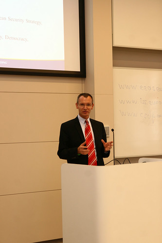 Marshall Center professor lectures on EU in International politics, crisis management