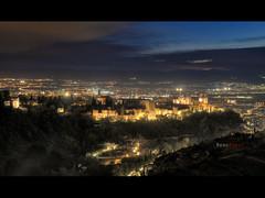 Anochece sobre la colina de la Alhambra, Granada. (manurubio83) Tags: alhambra laalhambra laalhambradegranada longexposure largaexposicin bulb exposicin exposure atardecer sunset landscape panoramic panormica paisaje paseo palaciodecarlosv carlosv hotel hotelreuma reuma ro darro rodarro nubes nube clouds cloud hdr photomatix photoshop granada forest highdynamicrange horizonte horaazul azul blue mirador