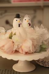 love birds Wedding Cake Topper (charles fukuyama) Tags: wedding cute bird weddingcake ceremony clay lovebird oiseau pjaro  cakedecoration bridalbouquet weddingcaketopper customcaketopper handmadecaketopper bridalbirdcage initaisl