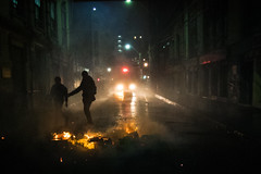 (. . .) Tags: chile street blue shadow people orange azul night contraluz valparaiso noche protest silhouete naranja barricade marcha chiloe 2016