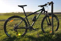 DSC_1466 (Kullez) Tags: field bike rock trek skne mountainbike gear mtb shock brakes cykel solnedgng shimano deor flt rockshock broms vxlar djurslv xcaliber9 betrdor