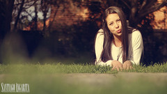 Yuye (Santiago Angarita) Tags: she woman green nature girl smile mujer model women kiss chica ella modelo sonrisa chic