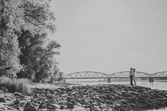 Big city love... (ArkadiuszKubiak) Tags: life city bridge love canon happy groom bride blackwhite big nikon d800 5d3