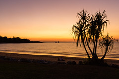 Sunset, Mindil Beach (Viv Agar) Tags: sunset beach australia darwin northernterritory mindilbeach