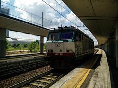 E652.051 LIS 38044 a Lingotto FS (simone.dibiase) Tags: e652 trenitalia cargo cargoitalia italia xmpr lingotto fs ferrovie dello stato italiane candiolo orbasano fascio arrivi lis 38044 tec 40341 56 cinquantasei minuti di ritardo binario 7 sette transito veloce locomotiva isolata 051
