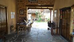 Zagun de Entrada Al Albergue las guedas (brujulea) Tags: las rural casa leon entrada casas astorga albergue rurales zaguan aguedas brujulea