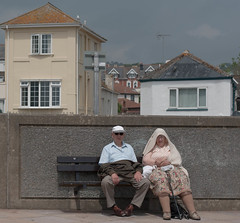 Couple by the sea (thorley_lee) Tags: street portrait stockings photography seaside oldpeople dawlish sunsea 55mmlens canon400d