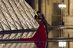 DSC_2537-Modifier (Mathieu Rougnon) Tags: wedding sunset paris night french nikon europe shooting capitale mariage pyramide lelouvre parisian d800 parisien rflexion pyramidedulouvre nikkor2470mmf28