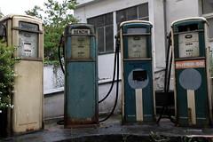 Die vier Kreuzberger Zapfsäulen (rundenreisen.org) Tags: berlin vintage kreuzberg germany deutschland decay super retro petrolstation tankstelle berlino benzin zapfsäule