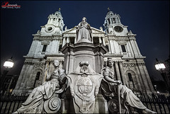 St. Paul (_Hadock_) Tags: uk inglaterra windows wallpaper england building verde london pool st architecture night clouds photoshop de paul noche high arquitectura nikon angle cathedral image background united edificio wide pablo creative catedral iglesia 7 sigma kingdom commons chapel nubes londres xp vista gran 1020mm angular range fondo cupula hdr escritorio protector pantalla siete reino unido azules capilla bretaa walpaper dinamic duotono photomatix d80 comons mbd80