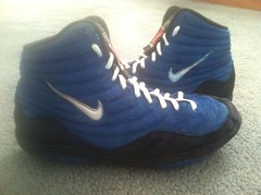 Blue Nike inflict reissues (Wres