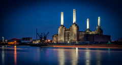 Battersea Power Station (GDWilson1000) Tags: longexposure london station power lighttrails battersea 24105l leefilter 5dmkii lee06proglass