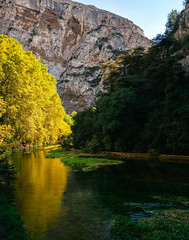 Golden (Philipp Klinger Photography) Tags: fontainedevaucluse provencealpesctedazur frankreich fontaine vaucluse provence paca plane tree planetree platane platanen river water reflection landscape sky mountain hill sorgue source reflections green yellow blue stone rock trees forest nature nikond800 nikon d800 france