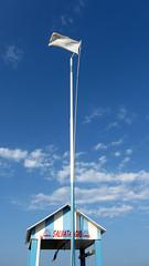 Tutto ok, nessun pericolo (Absacci) Tags: sea italy beach water italia mare flag acqua spiaggia mattina bandiera bellaria
