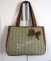 Bolsa Nina (Zion Artes por Silvana Dias) Tags: bag patchwork bolsa laço bolsapatchwork bolsatecido zionartes bolsanina