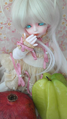 Do not play with food (Tsukiesan) Tags: ball doll pomegranate soom nene sammi jointed karambola
