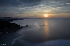 Barrika Sunset (ivanmoras) Tags: sunset beach landscape barrika