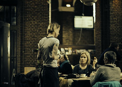 De Boterwaag / Den Haag 2014 (zilverbat.) Tags: city people holland girl dutch tattoo breakfast bar lunch photography lights cafe dof bokeh availablelight candid thenetherlands citylife denhaag timelife service drinken cinematic thehague eten grotemarkt kroeg grandcaf koffie horeca bediening candidphotography prinsegracht streetcandid boterwaag capucinno socialdocumentaryphotography canon6d koekjeerbij zilverbat boetiekhotel humansofthehague