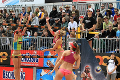 PG0O8852_R.Varadi (Robi33) Tags: show summer game sport ball court switzerland sand play action competition basel victory player beachvolleyball international block umpire viewers