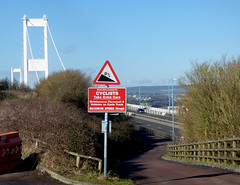 NCN4 (samsaundersleeds) Tags: winter cycling hedge signage gradient severnbridge ncn4 cycleroute cyclinginfrastructure