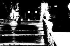 Tutte le vie portano a... (Claudio Taras) Tags: street bw nikon bokeh claudio rom taras contrasto