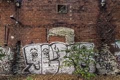 Wall scape with graffiti (Giara,) Tags: berlin germany deutschland graffitti duitsland berlijn wallscape