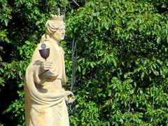Symbolism (oobwoodman) Tags: statue prague prag praha tschechien tschechischerepublik praskhrad hradschin czechrepublic rpubliquetchque hradany praguecastle esko eskrepublika tchquie