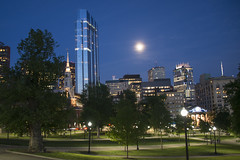 Boston Common by night (Ian@NZFlickr) Tags: blue trees usa moon boston night buildings hour common