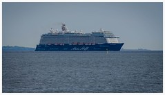 Mein Schiff 4 in Öresund (frankmh) Tags: ship outdoor cruiseship öresund meinschiff4