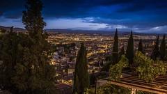 Que grandioso! (von Renate Bomm) Tags: city longexposure lights nightshot granada andalusien spanien espania picoftheday blauestunde 2016 366 vermerk flickrunitedaward renatebomm