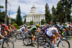 Pack in Front of Capitol (Garrett Lau) Tags: bicycle cycling women racing sacramento amgen criterium stage4 2016 circuitrace tourofcalifornia katiehall annieewart womenscircuitrace sacramentocircuitrace amgenbreakawayfromheartdiseasewomensrace
