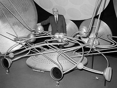 A giant electrified model of the human brain's control system is demonstrated by Dr. A.G. MacLeod, at the meeting of the American Medical Association in New York, on June 26, 1961. [1200  911] #HistoryPorn #history #retro http://ift.tt/20mId3m (Histolines) Tags: new york history june by giant is model control 26 dr 911 meeting retro system medical human american ag brains timeline 1200 1961 association electrified macleod  vinatage demonstrated a historyporn histolines httpifttt20mid3m