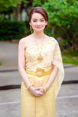Thai bride traditional wedding dress ชุดไทยงานแต่งงาน