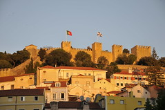 ...somewhere in Lisboa... (ristina) Tags: sunset portugal moorish lisabon sojorgecastle