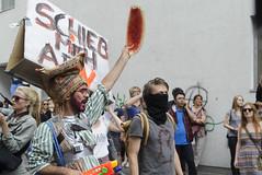 D3s_20160611_144824 (martin juen) Tags: vienna wien demo austria österreich demonstration polizei rechts aut barrikaden nationalismus gegendemo pfefferspray barrikade polizeigewalt rechtsextrem martinjuen revisonismus identitär identitäre 12062016 12juni2016