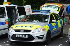 BX14 EBA (S11 AUN) Tags: dog london ford estate police vehicle van emergency section metropolitan response 999 mondeo dsu policedogs dogsupportunit bx14eba