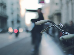 """Waiting for the bus"" bike edition_ #26/100 Bike Project (pierfrancescacasadio) Tags: bike bicycle project cycling details bikes detailed bikeproject 100bicycles 100bicyclesproject"