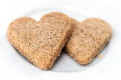 Einen Keks zum Kaffee? 166/366 (Skley) Tags: keks foto kaffee verliebt highkey bild herz liebe kekse valentinstag herzen gebck 2016 165366