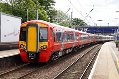 GTR Thameslink 387222 in Gatwick Express livery departing Flitwick Station (Mark Bowerbank) Tags: station express gatwick departing gtr thameslink livery flitwick 387222