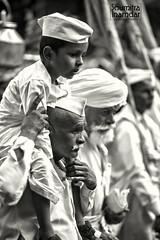 (soumitra911) Tags: india white walking kid grandpa maharashtra blac bnw pilgrim granfather pandharpur wari tukaram warkari dnaneshwar