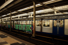 Fofs (Kiek Um Goan!) Tags: station amsterdam train subway graffiti traffic metro damage amstel gvb intraffic fofs